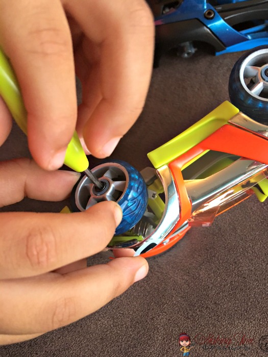 Modarri cars provide your child with the creative freedom to mix & match parts from different models, to self-build & design their own race car.