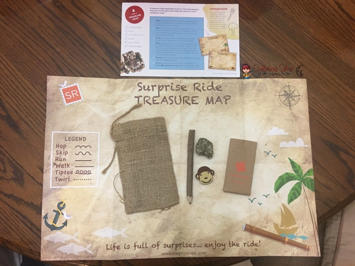 Surprise Ride is a great way to keep the kids entertained during family gatherings this holiday season! With each Ride consisting of 2 fun and creative activities, along with snacks and fun little extras all related to a single theme, there's tons of fun for them enjoy! #HolidayGiftGuide #giftidea