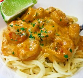 This Thai Curry Lime Shrimp recipe is an easy way to have a taste of Thailand right in your own home! #recipe #ThaiCurryLimeShrimp #Thai