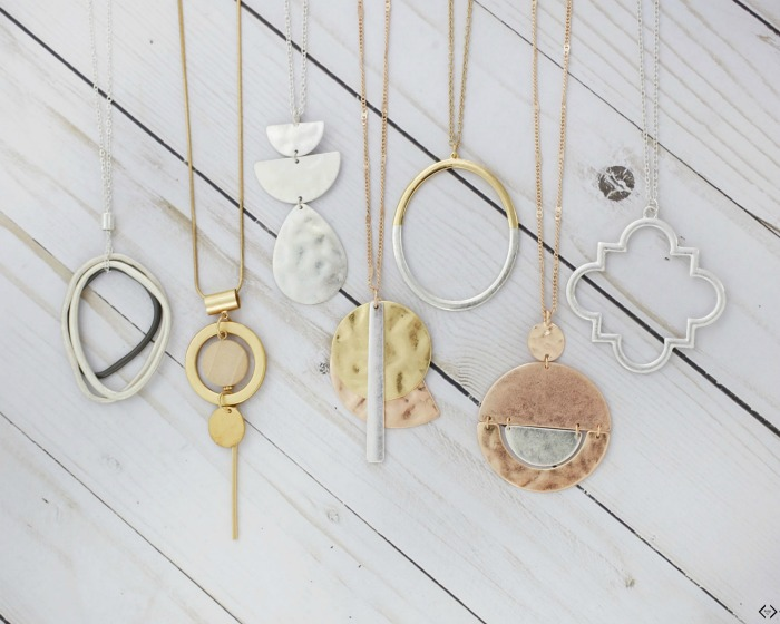 2 Necklaces for $14 + Free Shipping (Today Only) | #2forTuesday #jewelry #CentsofStyle #necklace