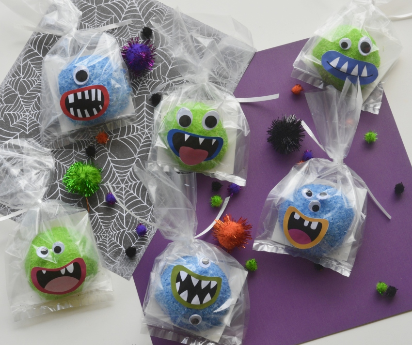 Halloween Snoball Monsters | #Halloweentreats #classroomtreats #Halloween #HostessSnoballs #monstertreats